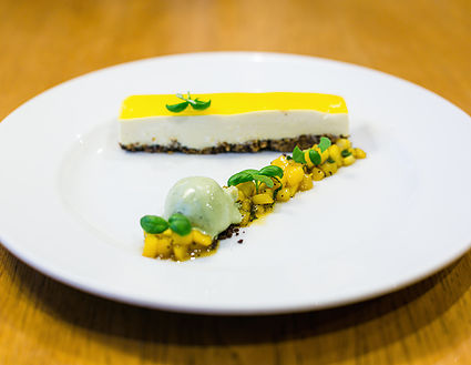 Food : White Chocolate Cheesecake
